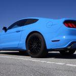 voiture-bleue-mustang